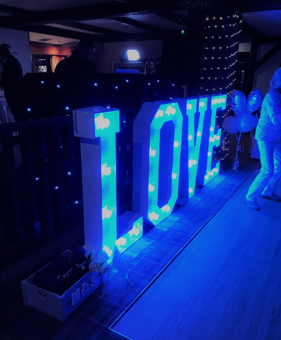 love lights dance floor