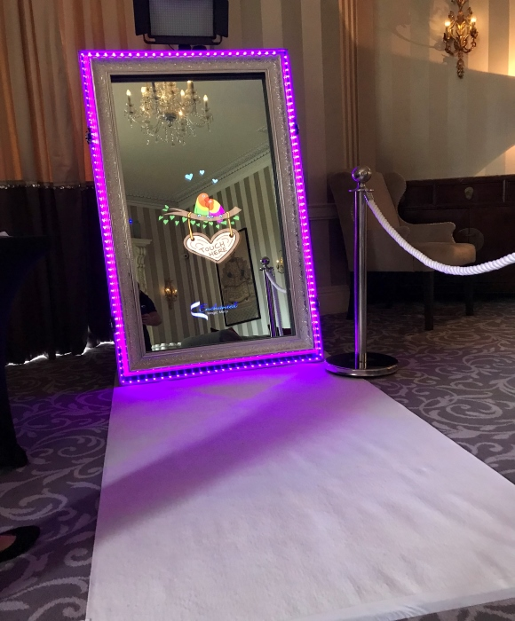 enchanted magic mirror photobooths