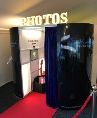 enchanted photo booth black