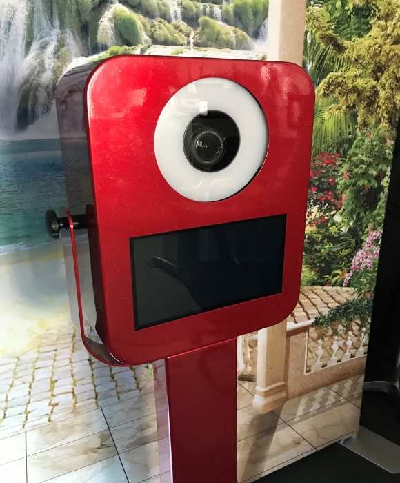 DSLR Enchanted Selfie Pod